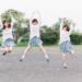 【朗報】女子5人がパンツ見せ合って遊んでる画像が盗撮される!